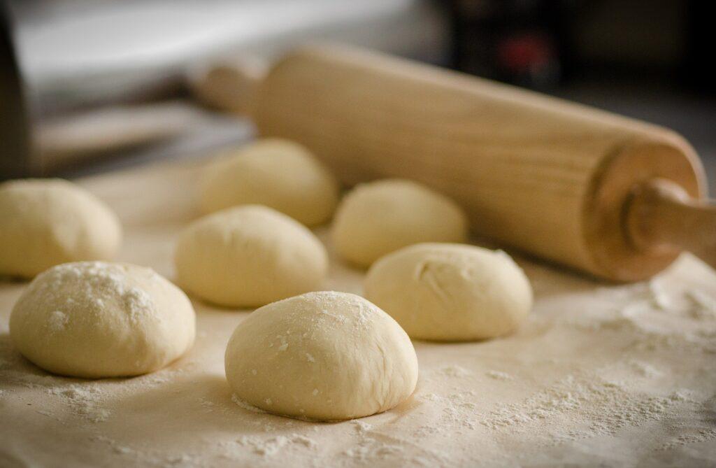 Hoe-maak-je-een-Turkse-pizza-zelf